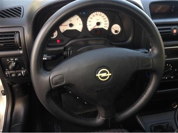Opel Astra 1.4 Sport (90cv) (3p)