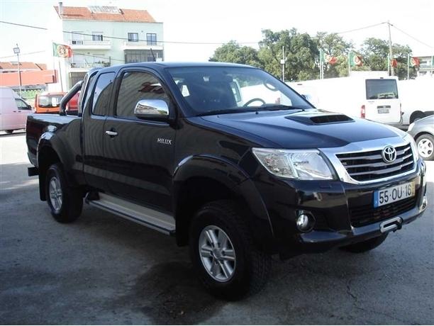 Toyota Hilux 2.5 D-4D 4WD CE 3L AC (144cv) (2p)