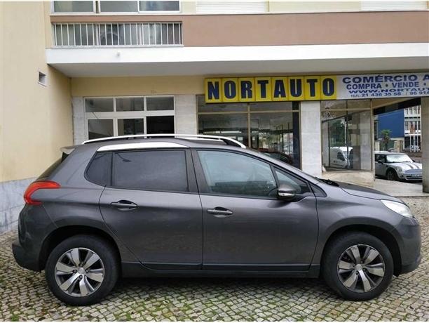 Peugeot 2008 Active 1.2 VTi 82 (82cv) (5p)