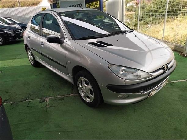 Peugeot 206 1.1 XT (60cv) (5p)