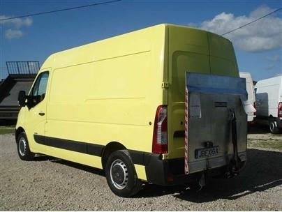 Renault Master L2H2-3.5T Plataforma Traseira