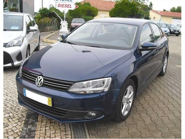Volkswagen Jetta 1.6 TDi Confortline BlueMotion (105cv) (4p)