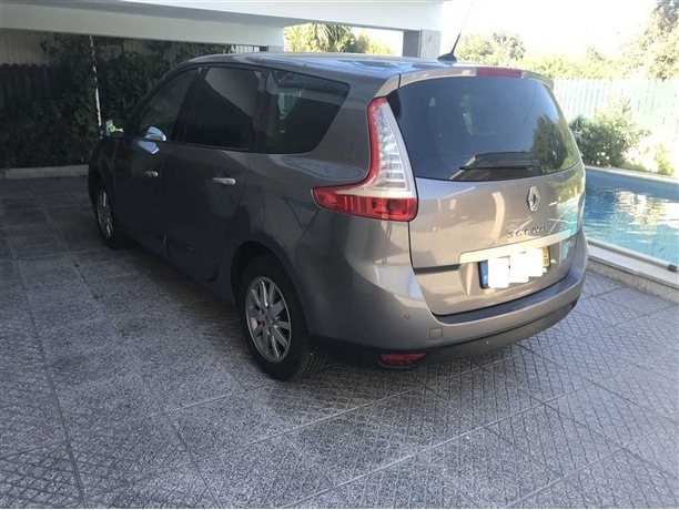 Renault Grand Scénic 1.5 dCi Luxe 7L (110cv) (5p)
