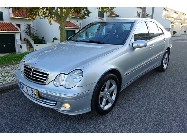 Mercedes-Benz Classe C 220 CDi Avantgarde (150cv) (4p)