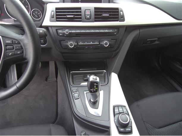 BMW Série 3 318 d Touring Auto (143cv) (5p)