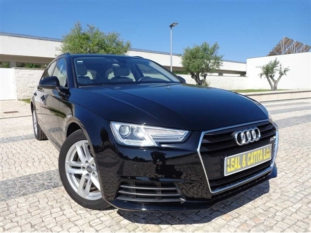Audi A4 Avant 2.0 TDI 150cv C/ Pele e GPS 5p