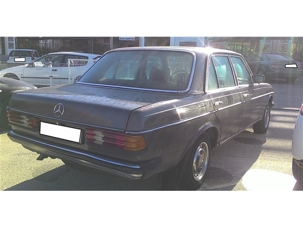 Mercedes-Benz 200 123