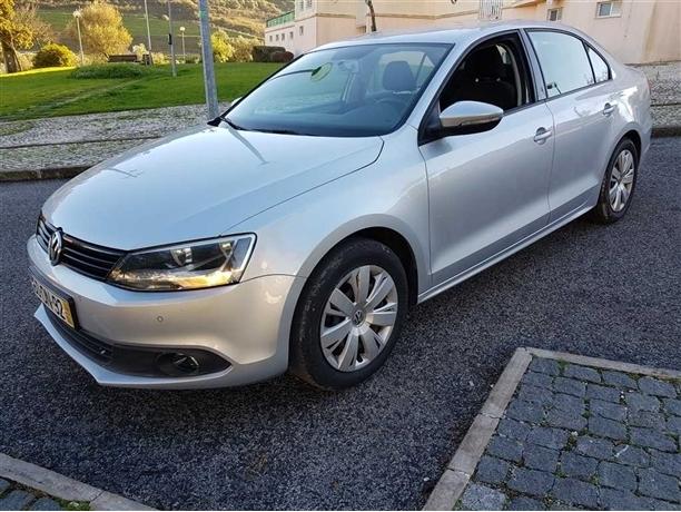 Volkswagen Jetta TDI / Garantia/Nacional