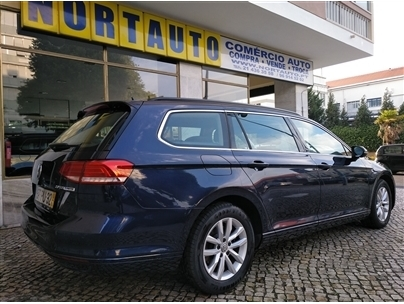 Volkswagen Passat V. 2.0 TDi Confortline DSG (140cv) (5p)