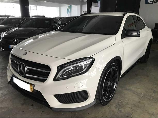 Mercedes-Benz Classe GLA 220 CDi AMG Line 4-Matic (170cv) (5p)