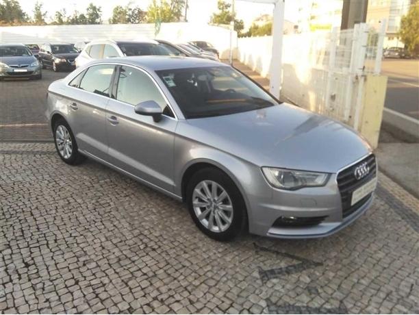Audi A3 1.6 TDI Attraction (110cv) (4p)