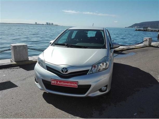 Toyota Yaris 1.4 D-4D Active+AC (90cv) (5p)