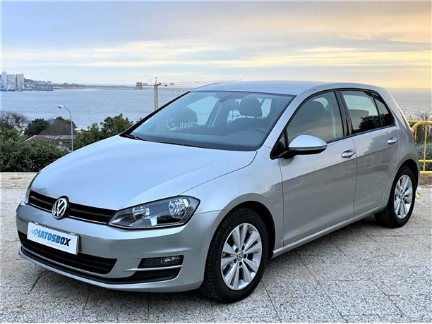 Volkswagen Golf 1.2 TSi Confortline DSG (105cv) (5p)